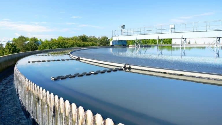Nachklärbecken Abwasseraufbereitung