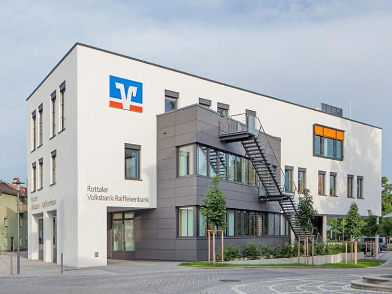 Rottaler Volksbank – Raiffeisenbank Firmen- und Individualkundenzentrum