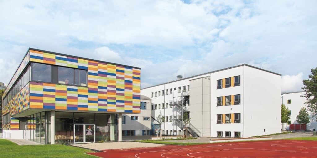 Grund-Hauptschule Garching aussen
